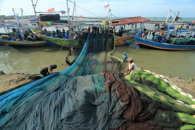 Banyak Maling Ikan, KKP Izinkan Penggunaan Pukat di Wilayah Tertentu (157192)