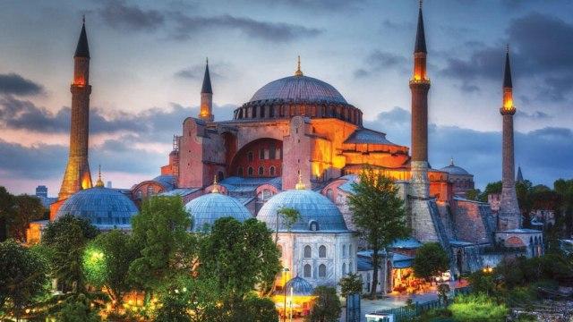 Sejarah 15 Abad Perjalanan Panjang Hagia Sophia (200496)