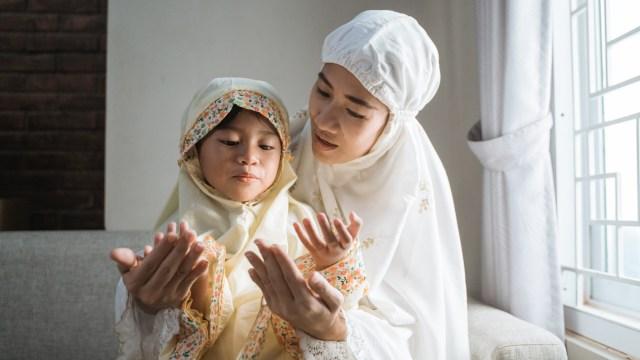 Kumpulan Doa Rasulullah yang Dapat Diamalkan Dalam Kehidupan Sehari-hari  (205311)