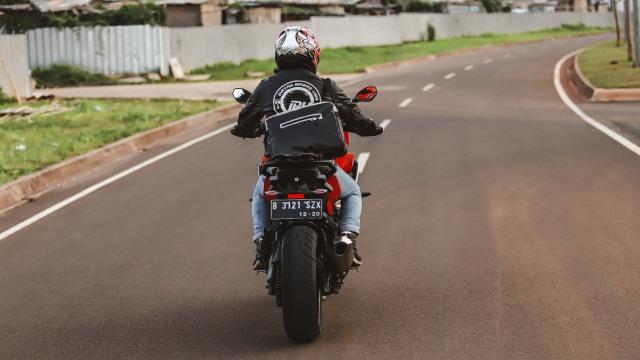 Test Ride Motor Sultan BMW S1000XR untuk Harian, Seberapa Nyaman? (140172)