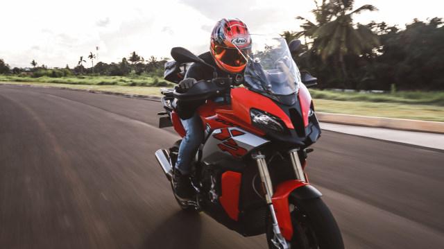 Test Ride Motor Sultan BMW S1000XR untuk Harian, Seberapa Nyaman? (140173)