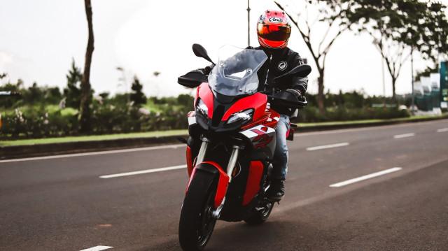 Test Ride Motor Sultan BMW S1000XR untuk Harian, Seberapa Nyaman? (140175)