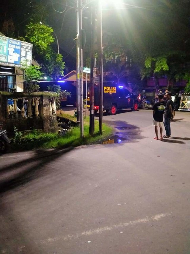 Masjid Mujahidin di Makassar Diteror Bom, Polisi Lakukan Penyisiran  (45794)