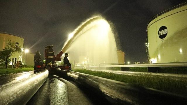 Satu Kilang Minyak Pertamina di Cilacap Terbakar, Tidak Ada Korban Jiwa (29274)