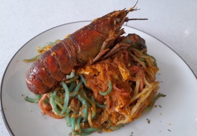 Mie Lobster Pelangi, Mie Tiga Warna yang Menyehatkan (319)