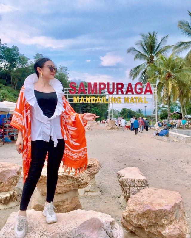 Kolam Air Panas Sampuraga dan Legenda Malin Kundang dari Tanah Sumatera (212785)