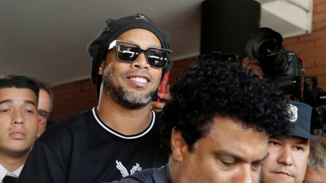 Kisah Ronaldinho: Sempat Sisa Rp 95 Ribu di Rekening, Kini Raup Rp 13 Miliar (52097)
