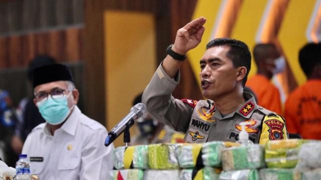Foto: Ungkap Narkoba Jaringan Internasional, Polda Aceh Sita 61 Kg Sabu-1 Pistol (120292)