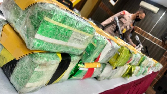 Foto: Ungkap Narkoba Jaringan Internasional, Polda Aceh Sita 61 Kg Sabu-1 Pistol (120293)