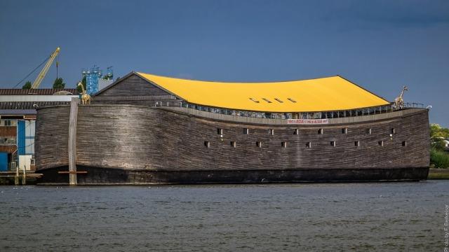 Kisah Tukang Kayu Bangun Replika Bahtera Nabi Nuh Selama 7 Tahun (311774)