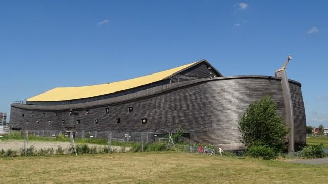 Kisah Tukang Kayu Bangun Replika Bahtera Nabi Nuh Selama 7 Tahun (311776)