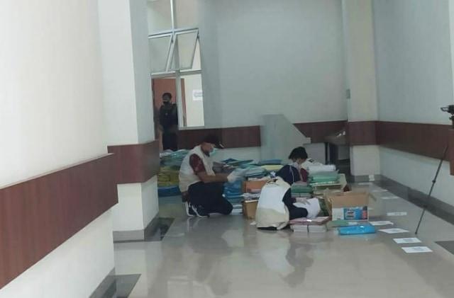 KPK Kembali Geledah Balai Kota Among Tani Kota Batu (11331)