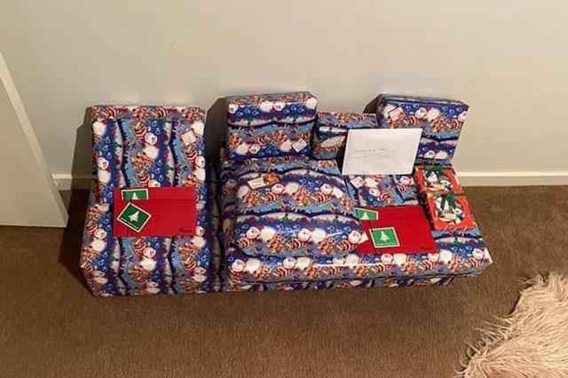 Kangen Anak dan Cucu, Wanita Ini Rela Membeli dan Menyimpan Lusinan Hadiah Natal (78926)