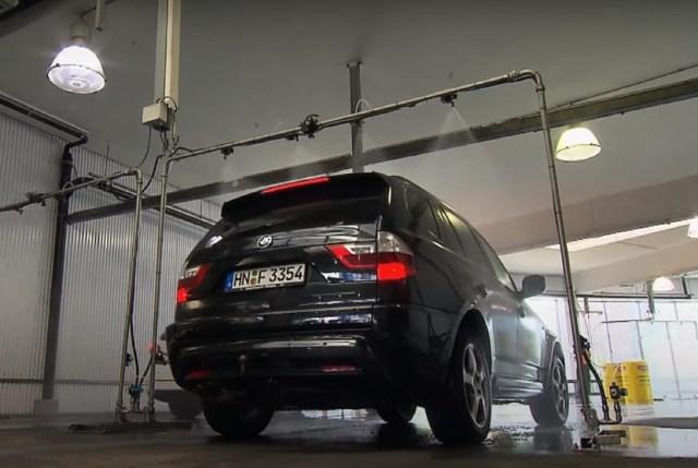 Inilah Tempat Cuci Steam Terbesar di Dunia, Sejam Bisa Cuci 300 Mobil (27790)
