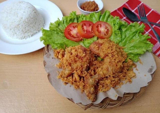 Resep Ayam Goreng Kremes, Renyahnya Kress! (415921)