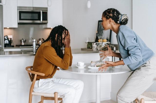 5 Tanda Hubungan Kamu Telah Berada di Fase Toxic (23477)