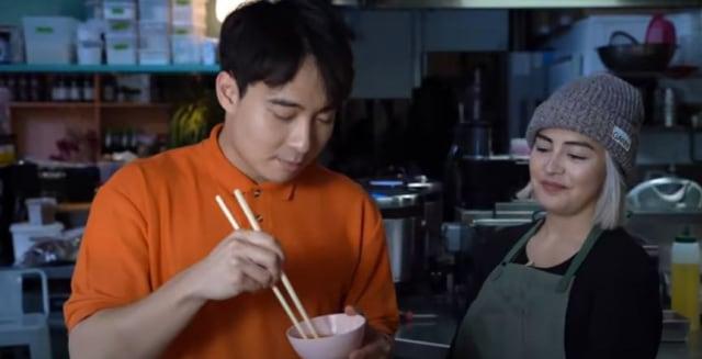 Dipuji Chef Michelin Star, Uncle Roger Ungkap Rahasia Nasi Goreng Buatannya! (439840)