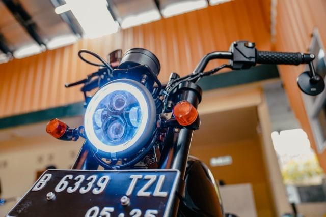 Modifikasi Motor Bebek 'Pengangkut Galon' Jadi Monkey Bobber, Segini Biayanya (303763)