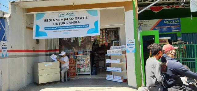 Gratis! Toko Anda Bagi-bagi Sembako untuk Para Lansia di Jakarta Timur. (267683)