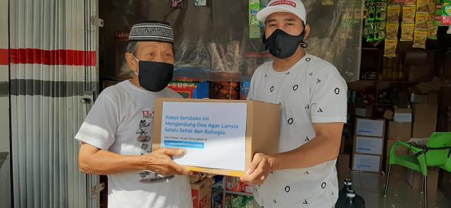 Gratis! Toko Anda Bagi-bagi Sembako untuk Para Lansia di Jakarta Timur. (267686)