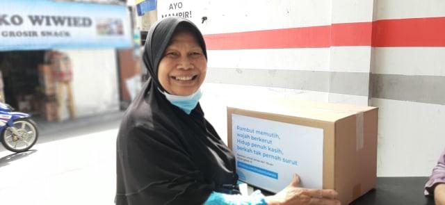 Gratis! Toko Anda Bagi-bagi Sembako untuk Para Lansia di Jakarta Timur. (267687)