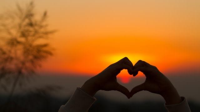 Dapatkan Perhatian si Dia dengan Kata Bijak Cinta Ini (436655)