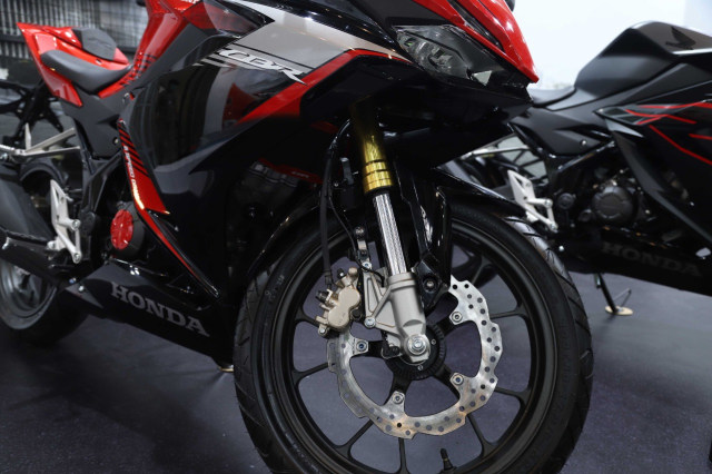 Foto: Honda CBR150R Terbaru, Tampangnya Mirip CBR250RR! (113137)