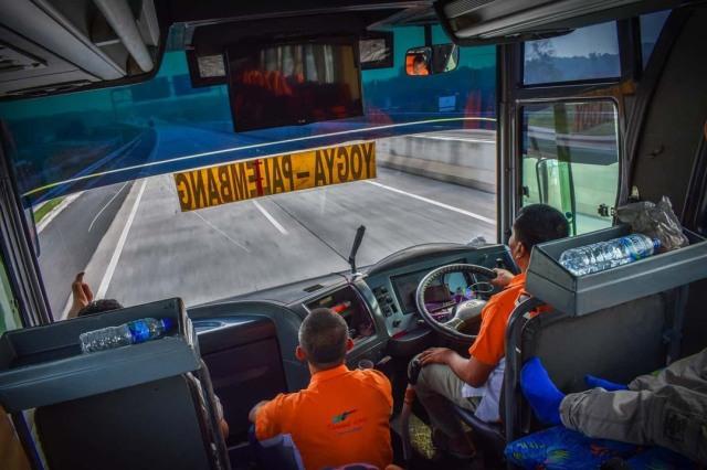 Mengapa Diameter Setir Bus Dibuat Lebar? Ini Alasannya (211170)