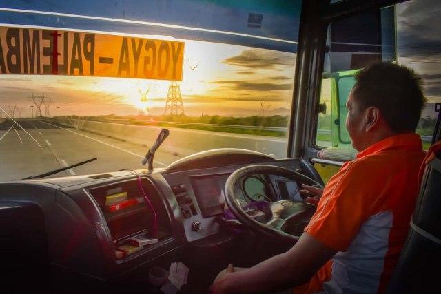 Mengapa Diameter Setir Bus Dibuat Lebar? Ini Alasannya (17879)