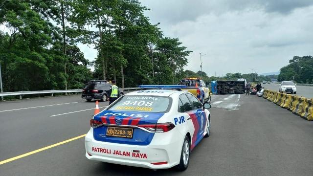 Bus Pembawa Pasien Corona Terguling di Tol Jagorawi (319946)