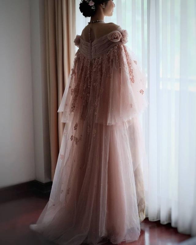 Indah Permatasari Menikah, Pakai Busana yang Terinspirasi dari Baju Bodo (422966)