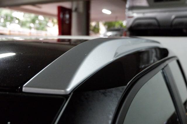 Sudah Tahu Fungsi Palang Horizontal di Atap Mobil? (11446)