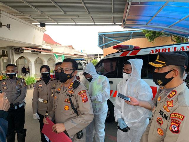 Polisi Periksa Sopir Bus Pembawa Pasien Corona yang Terguling di Tol Jagorawi (365888)