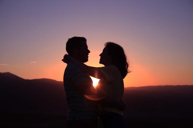 6 Pasangan Zodiak yang Saling Melengkapi Satu Sama Lain, Siapa Saja? (22843)