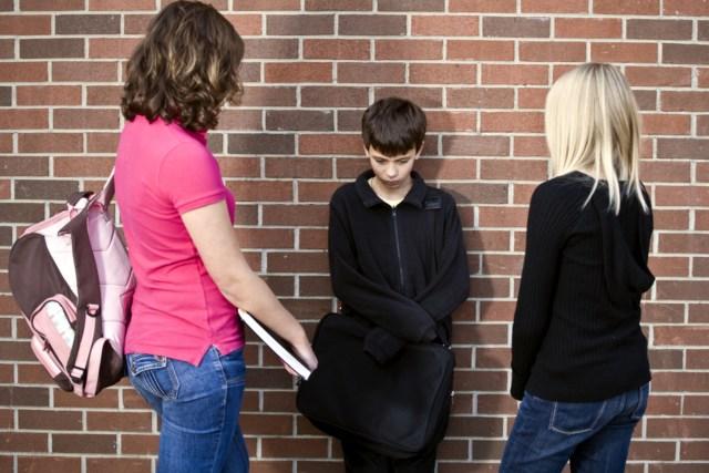 Analisis Peran Orang Tua Siswa SMP Terkait Tindakan School Bullying (19044)