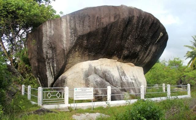 Di Natuna Ada Batu Rusia, Yuk Mampir! (13586)