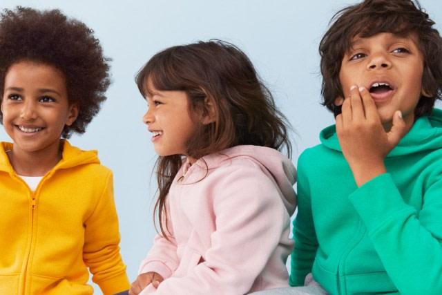 Danone-AQUA dan H&M Luncurkan Koleksi Pakaian Anak dari Botol Plastik Daur Ulang (16493)
