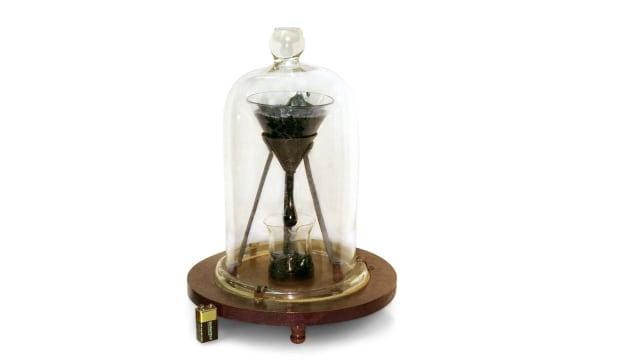 Pitch Drop, Eksperimen Lab Terlama yang Menghabiskan Waktu Puluhan Tahun (132391)