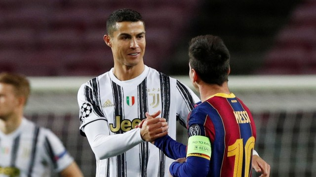 Cristiano Ronaldo Ternyata Pernah Hampir Setim dengan Lionel Messi di Barcelona (396921)