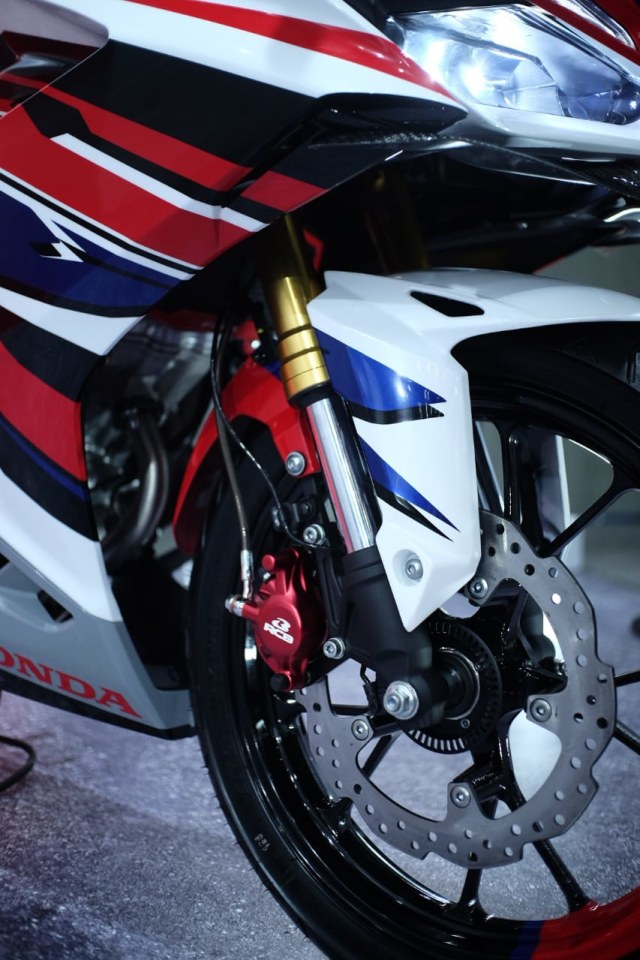 Pasang Assist & Slipper di Honda CBR150R Lawas, Ini Syaratnya!  (45556)