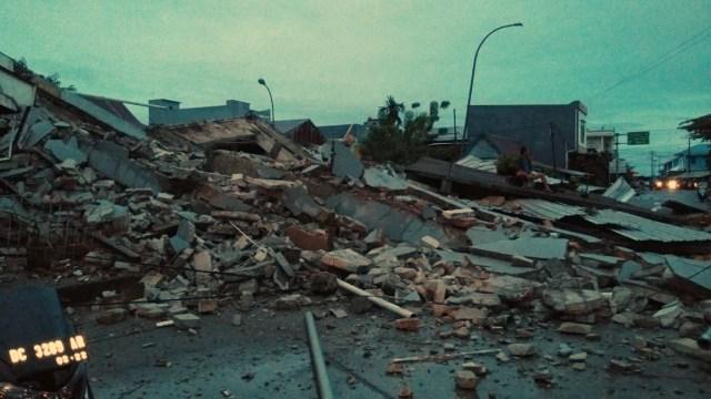 BMKG Minta Warga Majene Waspada Gempa Susulan hingga 3-4 Minggu ke Depan (1)