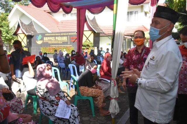 BST 2021 di Padang Resmi Disalurkan, Wako: Jangan Buat Beli Rokok (294277)