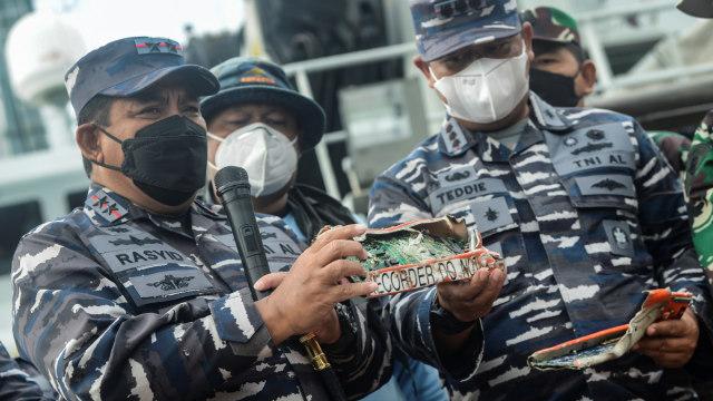 Alvin Lie Puji KNKT Temukan CVR Sriwijaya Air: Hebat Temukan Modul di Dasar Laut (313980)