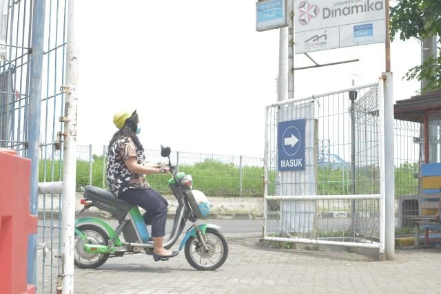 Semakin Ramah Lingkungan,  Kampus Undika Punya Sepeda Listrik dan Taman Unik (4995)