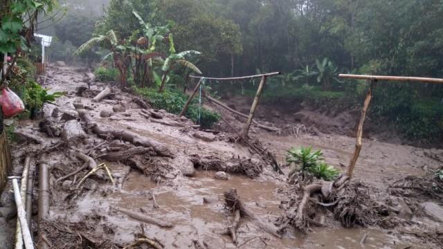5 Berita Populer: Banjir di Puncak hingga Ribka Tjiptaning 'Dokter Urus Minyak' (149088)
