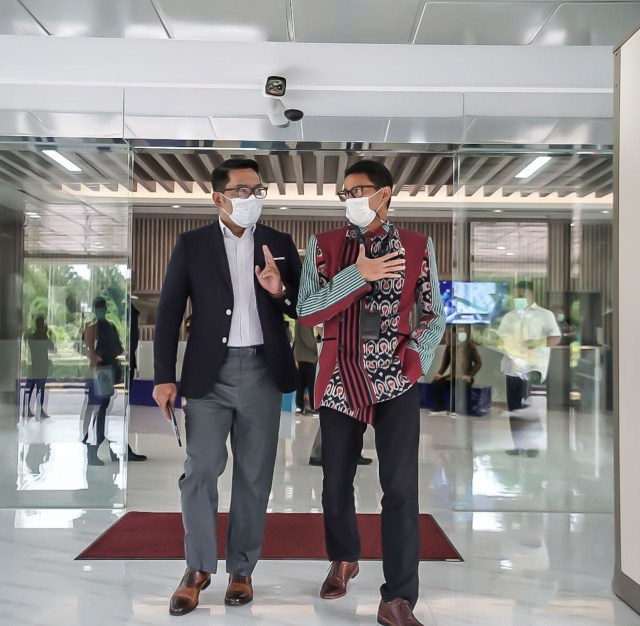 Terima Kunjungan Ridwan Kamil, Sandiaga Uno Suguhkan Kopi Khas Lokal (58417)