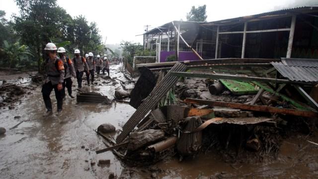 Warga Terdampak Banjir Bandang Diungsikan ke Vila Agrowisata Gunung Mas Puncak (176050)