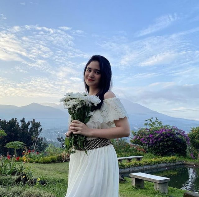 Ditunggu Netizen, Tissa Biani Akhirnya Unggah Potret saat Rilis Lagu Perdana (71493)