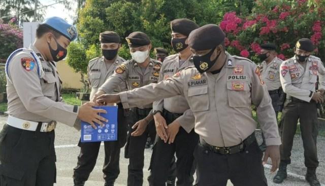 Personel Polres Kaimana Galang Dana Bantu Korba Bencana di Indonesia   (265932)