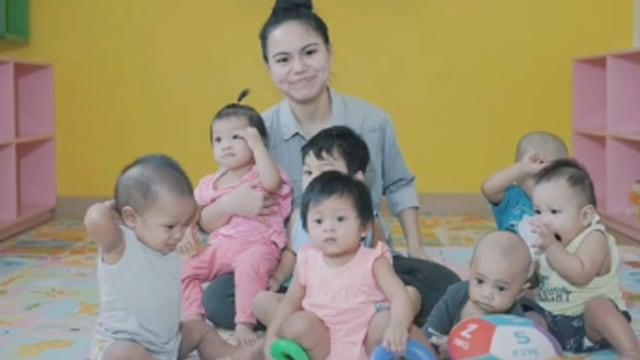Kisah Inspiratif Remaja 16 Tahun Rawat Bayi-bayi Telantar Sambil Homeschooling (98226)